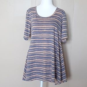 4pc/$25 LuLaRoe Shirt
